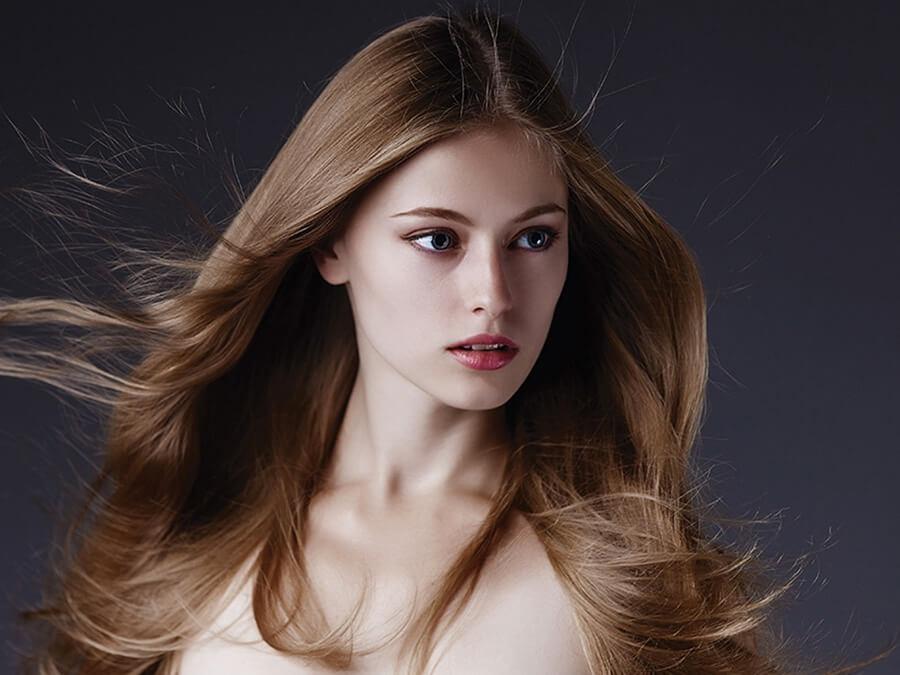 Estremamente Capelli lunghi lisci: effetto ultra-piatto o spettinato | Hairmed QL62